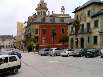 Aduana, Concello e Torre dos Moreno, Ribadeo.jpg